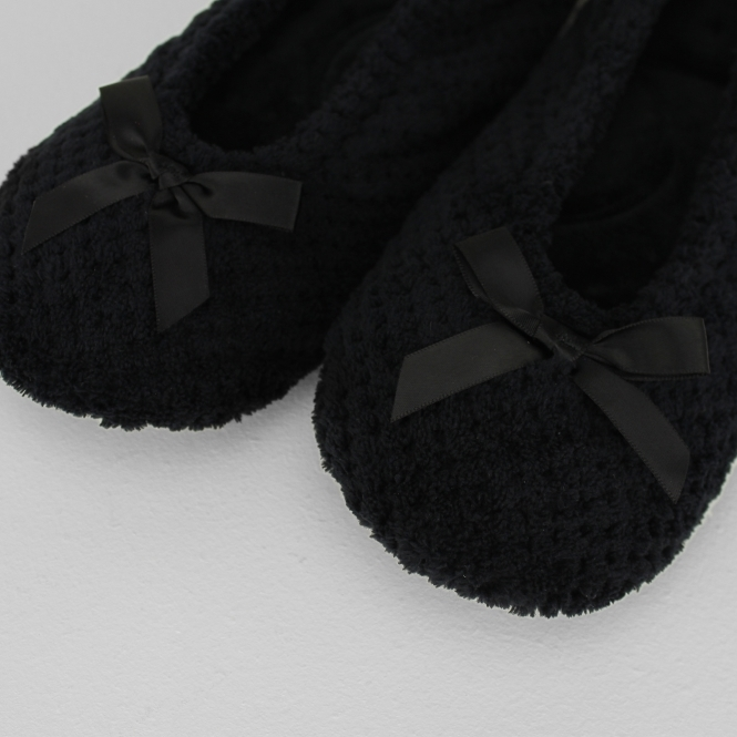 47b580646414 Totes Isotoner POPCORN Ladies Ballet Slippers Black| House of Slippers