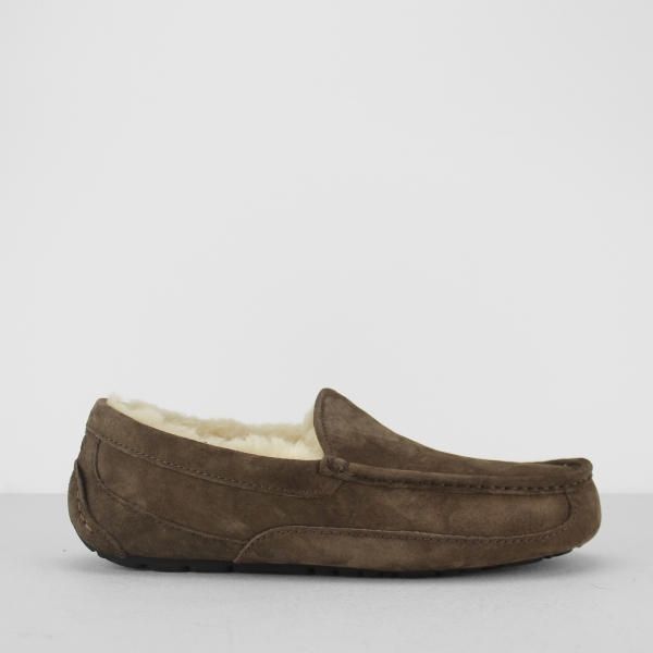 3383bbd05c8 UGG ASCOT Mens Moccasin Slippers Espresso