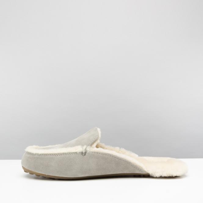 7511974453e UGG LANE Ladies Loafer Slippers Seal
