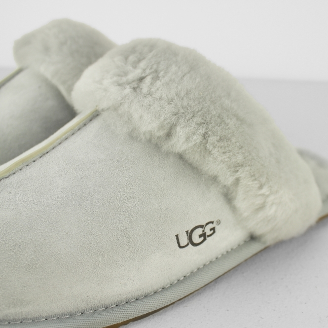7b104f26bc0 UGG SCUFFETTE II Ladies Mule Slippers Grey Violet